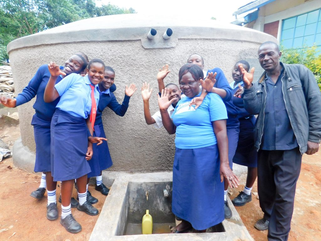 The Water Project : 29-kenya18014-clean-water