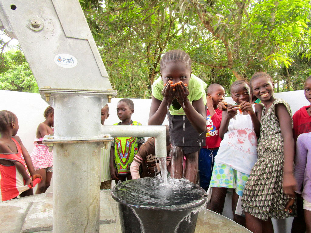 The Water Project : 32-sierraleone18266-clean-water