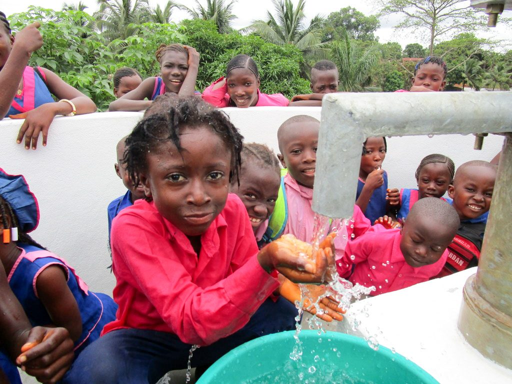 The Water Project : 39-sierraleone18263-clean-water