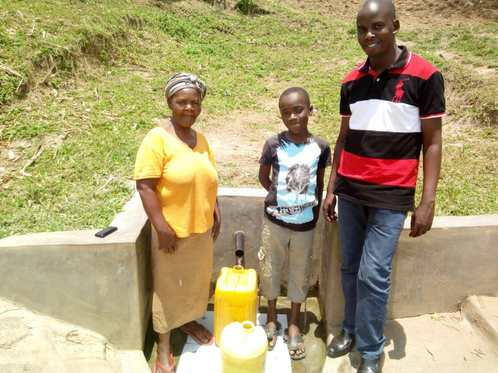 The Water Project : kenya4725-safe-water