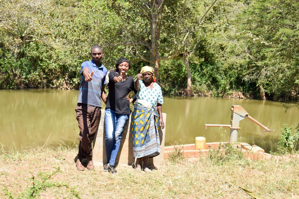The Water Project : 1-kenya4762-a-year-with-water