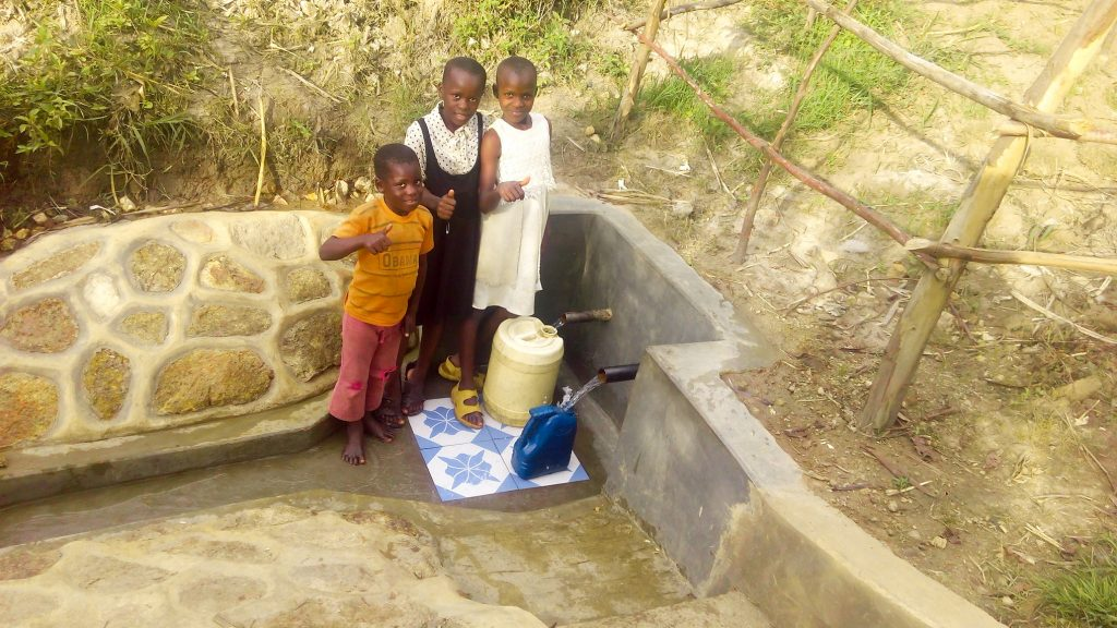 The Water Project : 19-kenya18120-protected-spring
