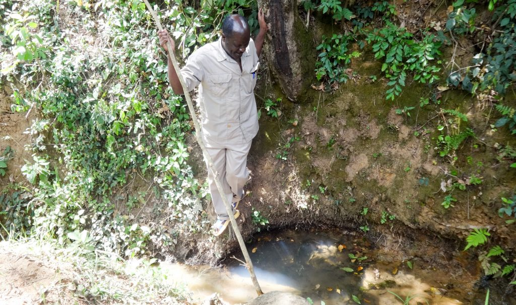 The Water Project : 2-kenya18164-unprotected-spring