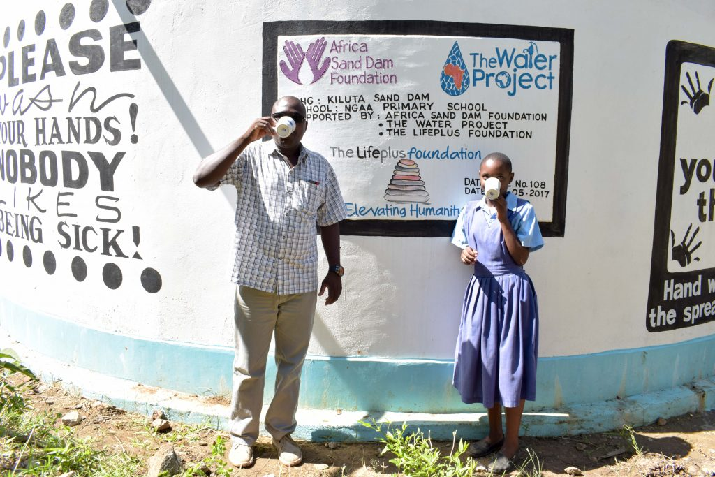 The Water Project : 2-kenya4797-a-year-with-water