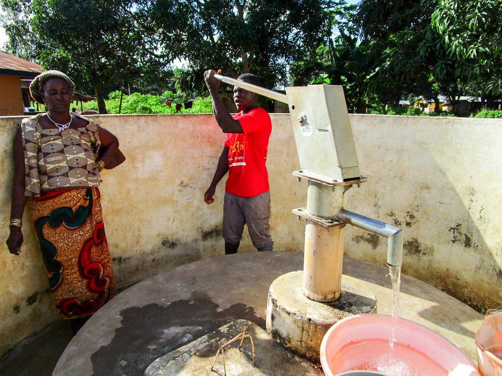 The Water Project : 2-sierraleone5111-a-year-with-water