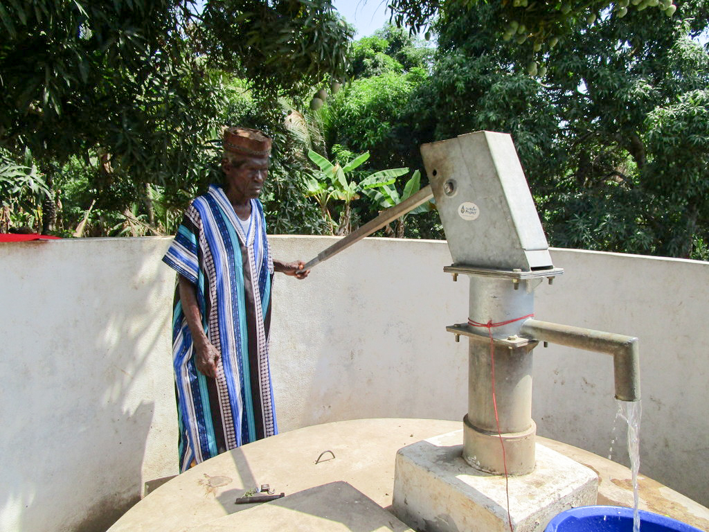 The Water Project : 2-sierraleone5112-a-year-with-water