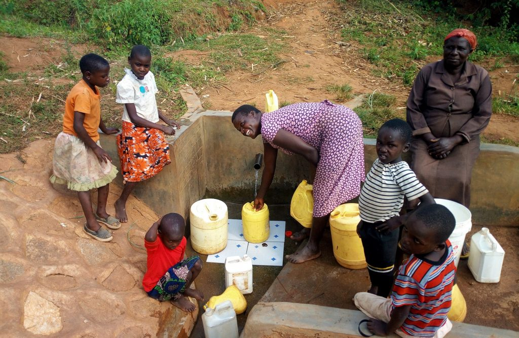 The Water Project : kenya4729-smiles-for-safe-water