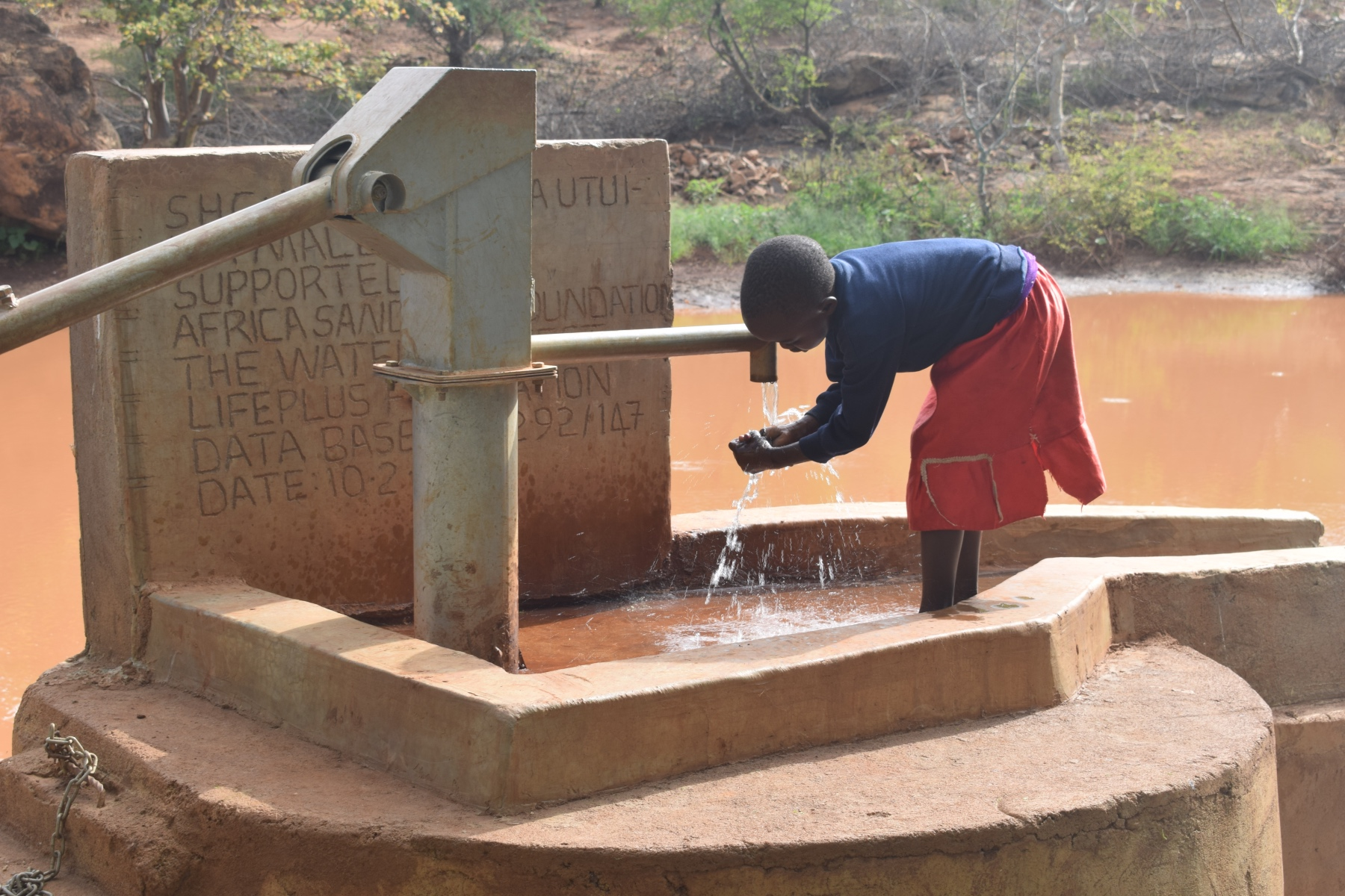 The Water Project : kenya4759-reliable-water