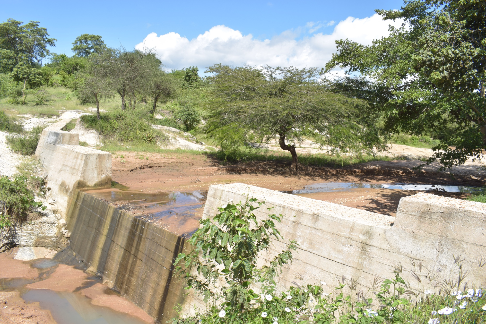 The Water Project : kenya4764-the-sand-dam