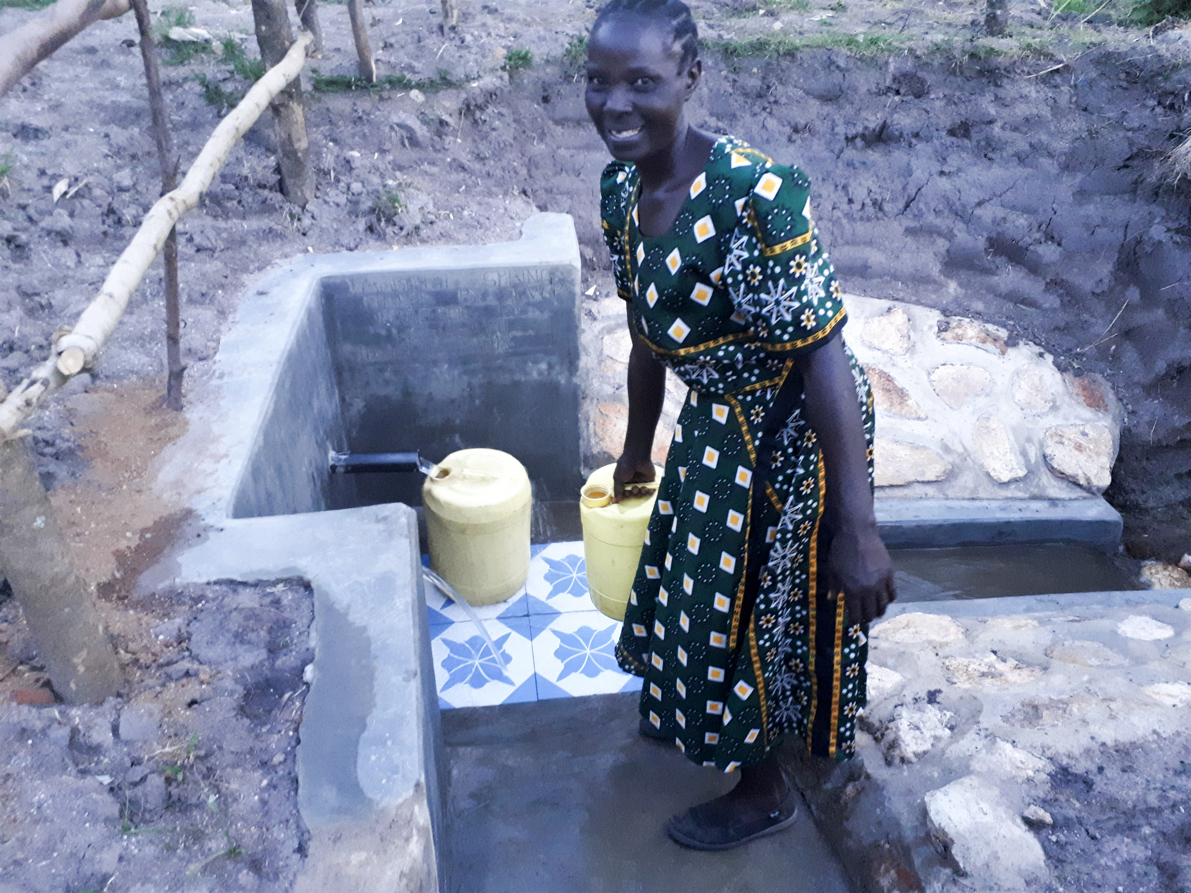The Water Project : 17-kenya18121-flowing-water