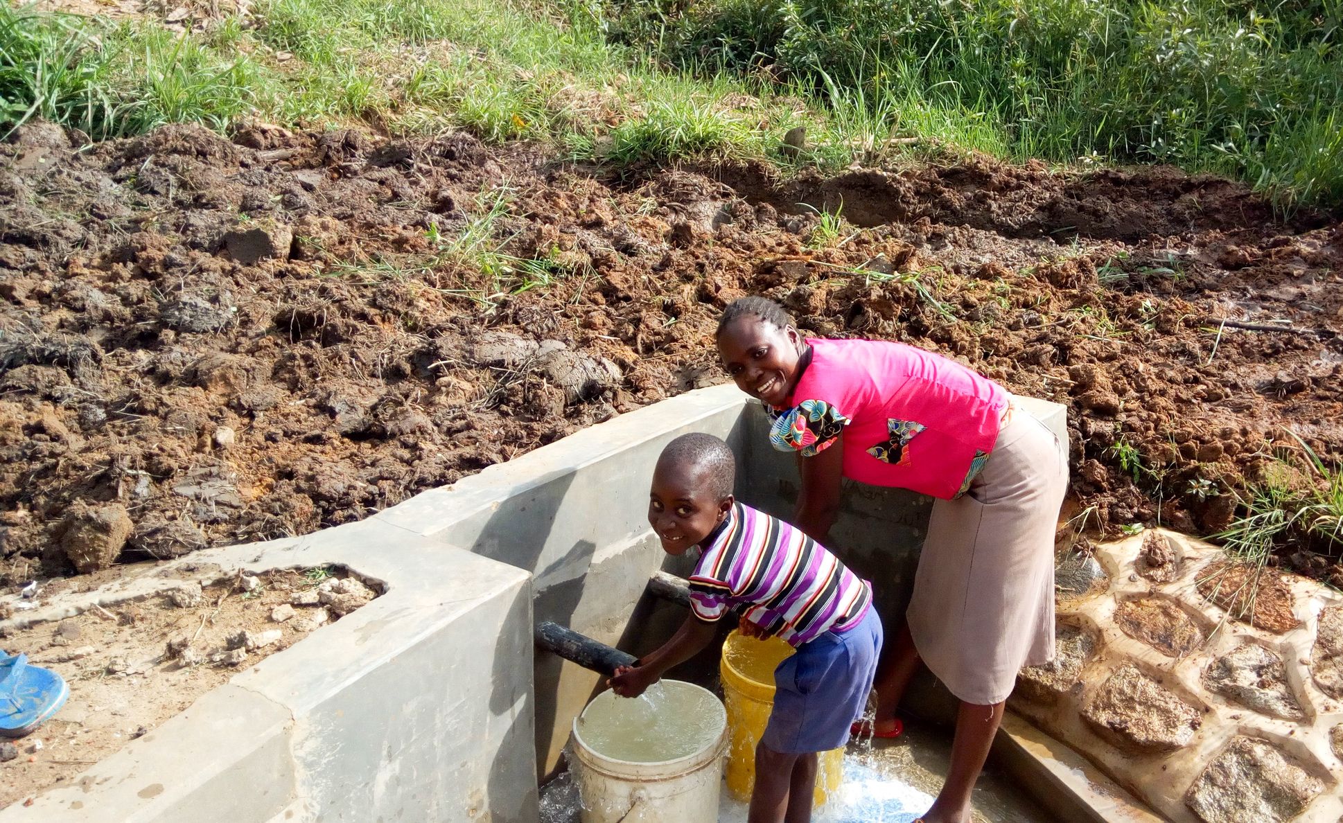 The Water Project : 28-kenya18135-flowing-water