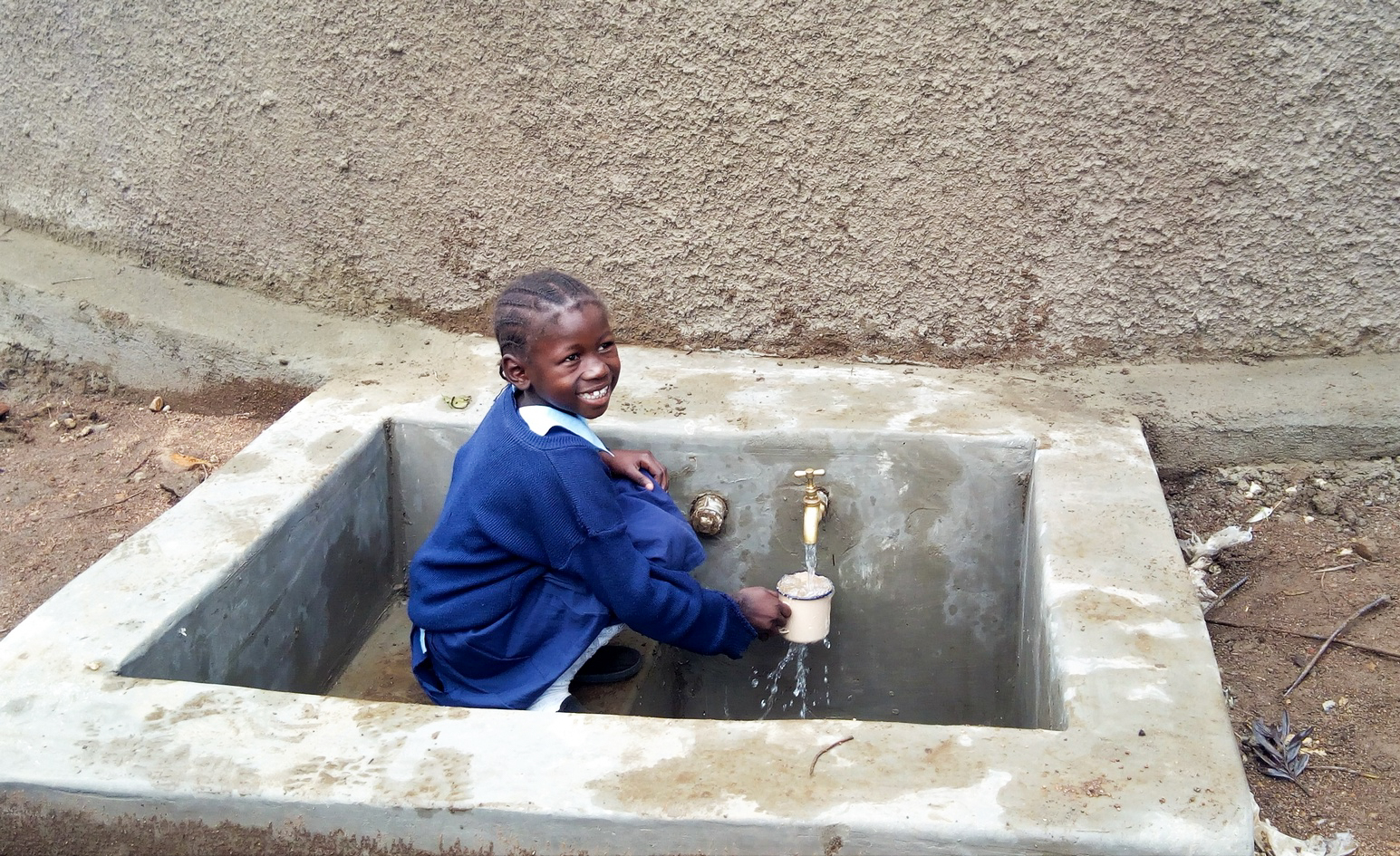 The Water Project : 30-kenya18003-finished-tank