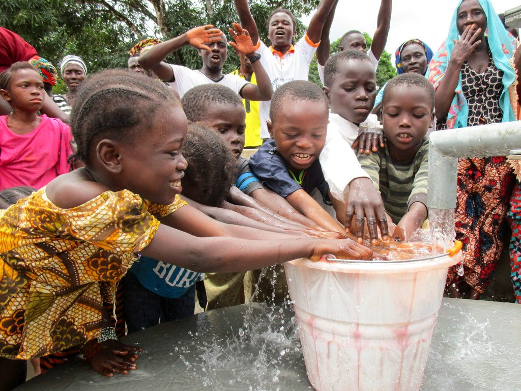 The Water Project : 31-sierraleone18268-clean-water