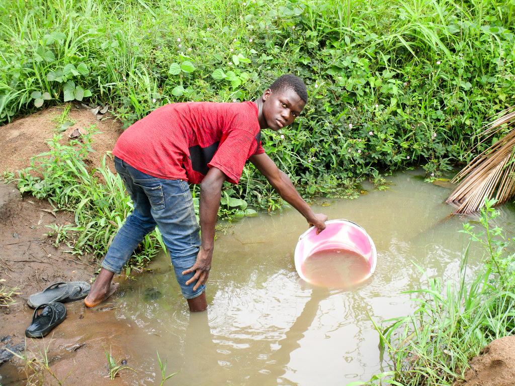 The Water Project : 6-sierraleone18304-alternative-source
