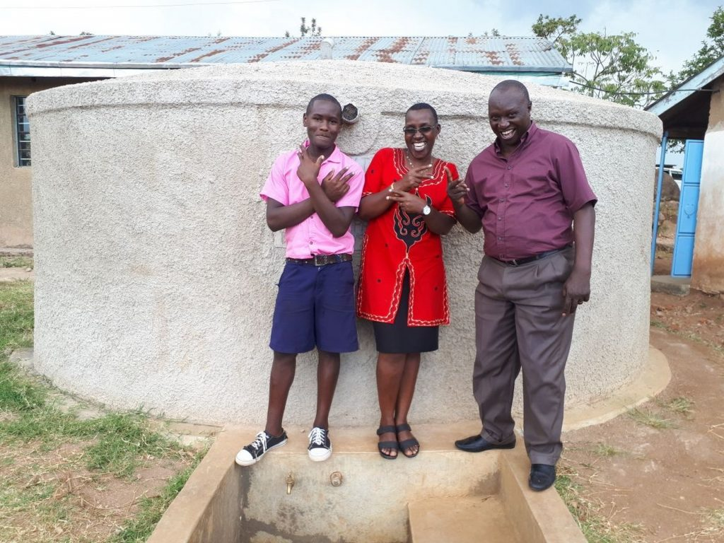 The Water Project : kenya4655-smiles-for-reliable-water