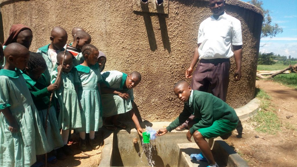 The Water Project : kenya4661-reliable-water