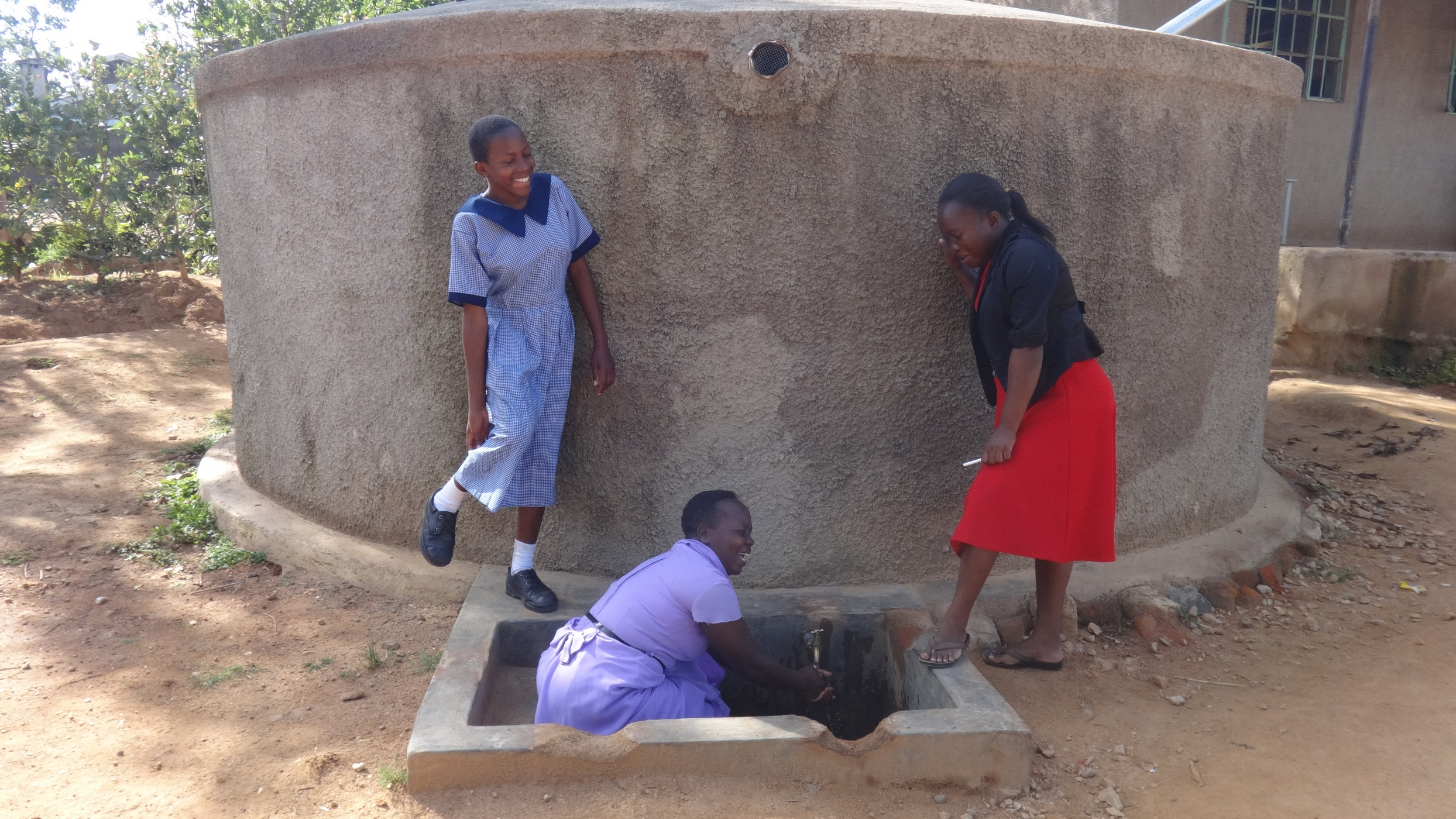 The Water Project : kenya4828-smiles-for-reliable-water