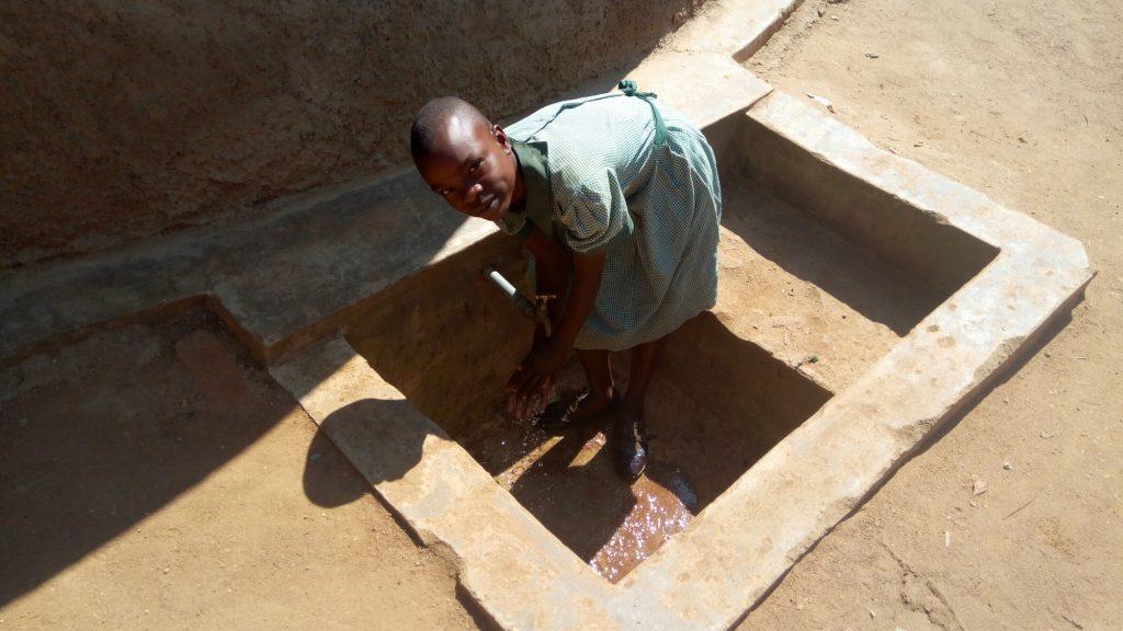 The Water Project : kenya4830-aluine-omungala