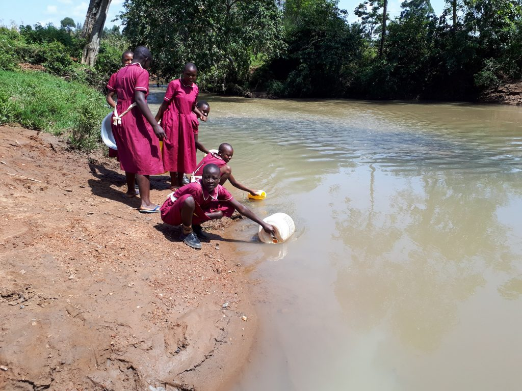 The Water Project : 11-kenya19001-fetching-water