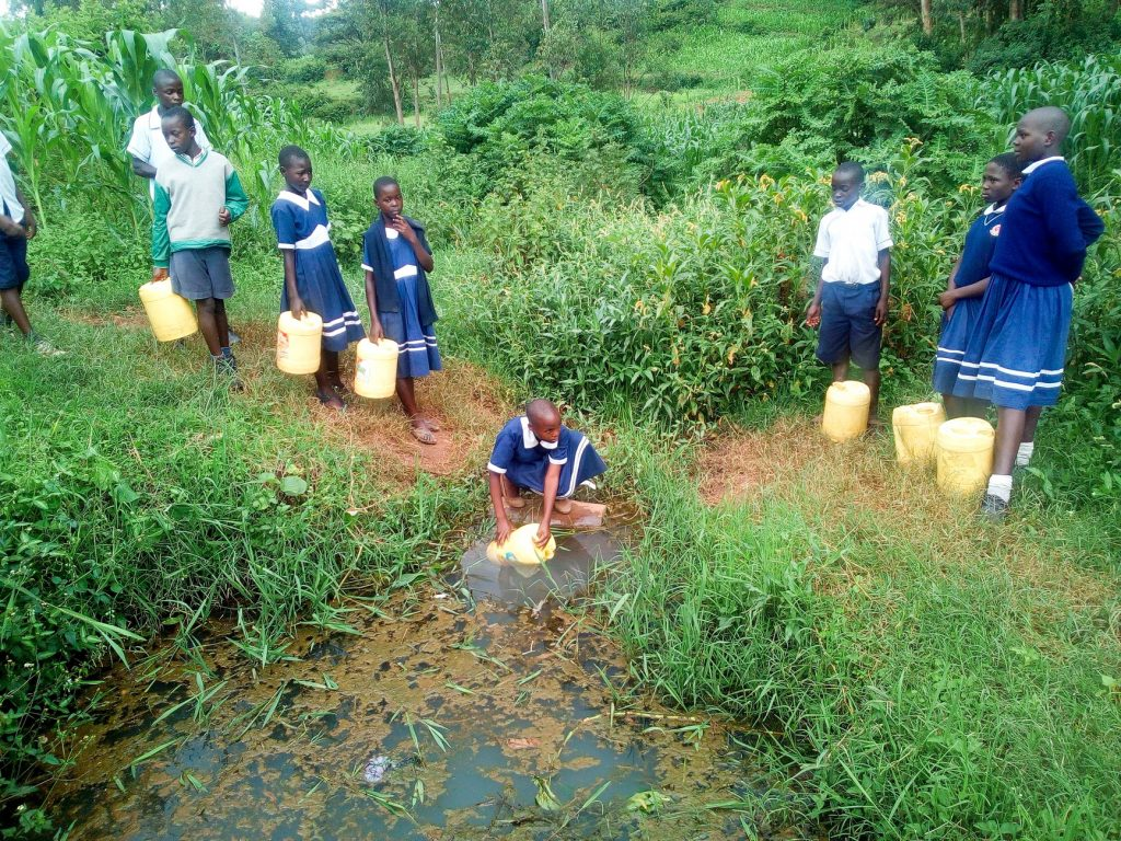 The Water Project : 15-kenya19002-fetching-water
