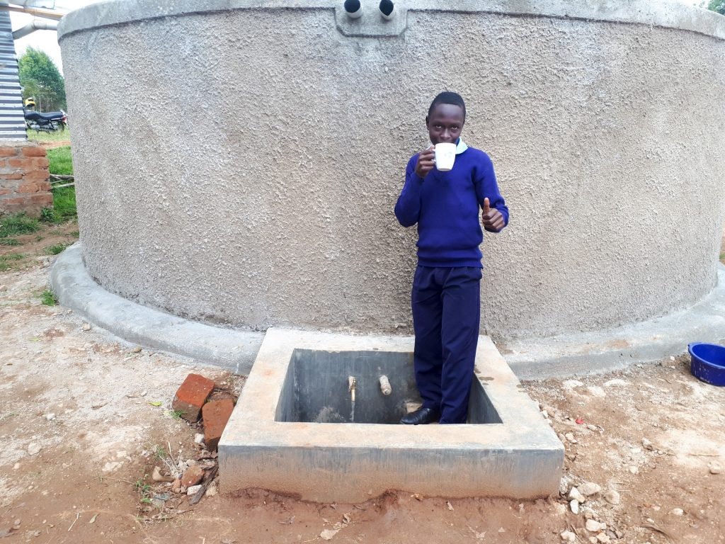 The Water Project : 29-kenya18055-finished-tank