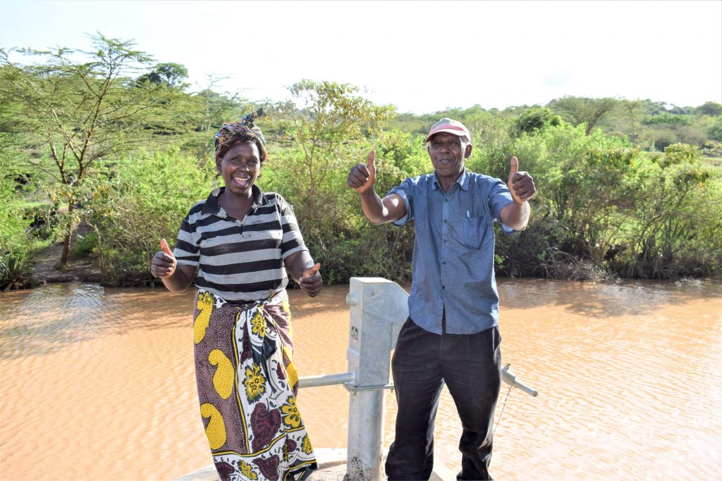 The Water Project : 16-kenya18218-flowing-water
