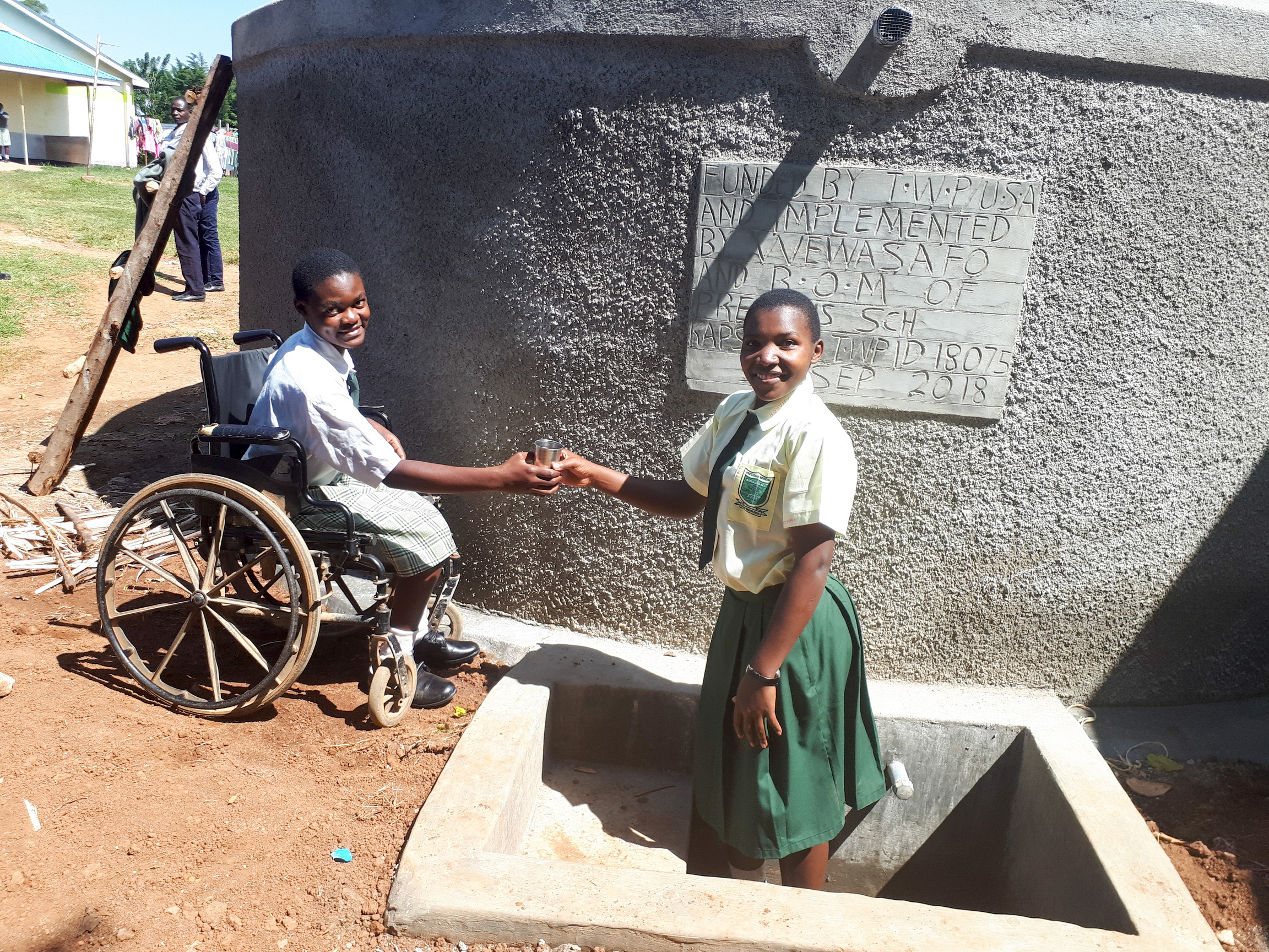 The Water Project : 23-kenya18075-finished-tank