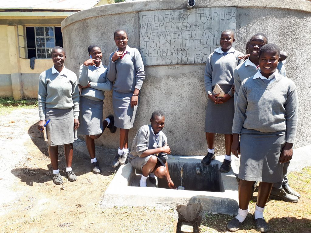 The Water Project : 25-kenya18069-water-at-the-new-tank