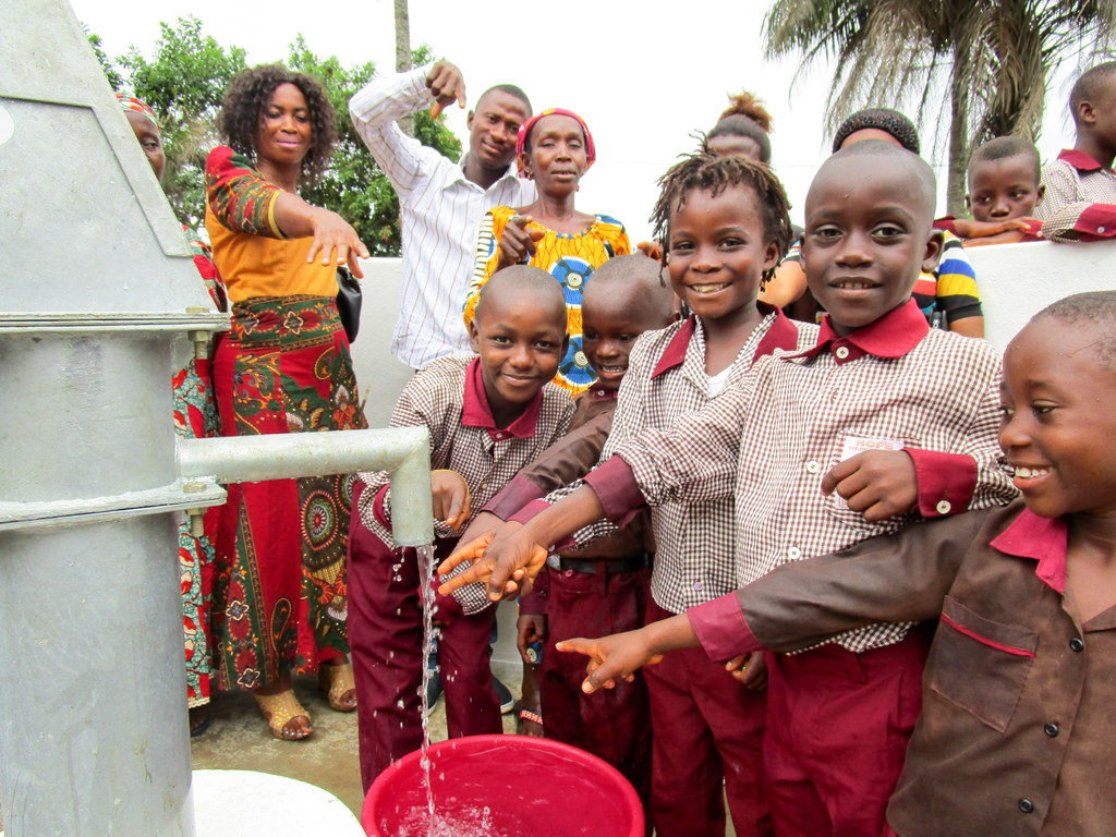 The Water Project : 34-sierraleone18256-clean-water