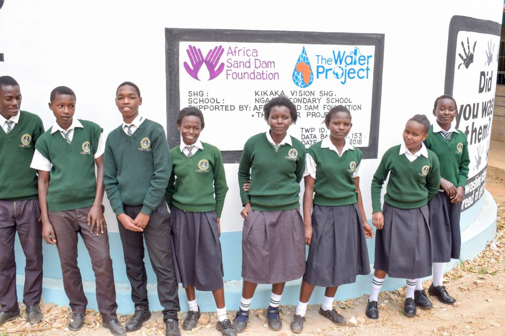The Water Project : 35-kenya18242-finished-tank