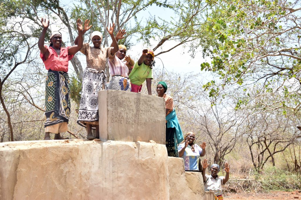 The Water Project : 6-kenya18219-finished-well