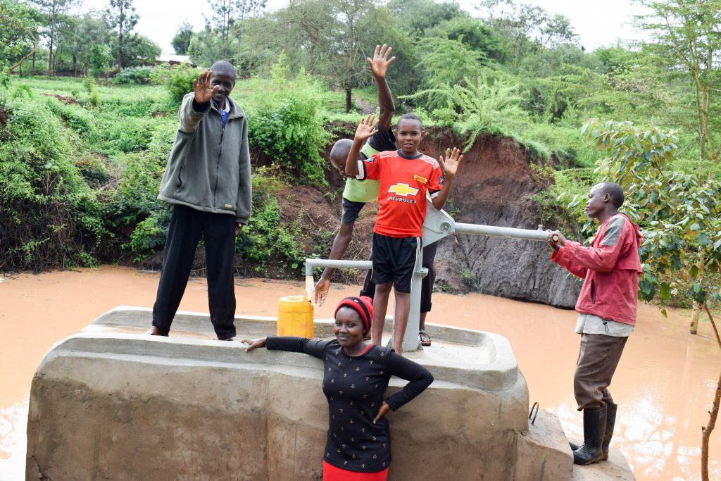 The Water Project : 7-kenya18220-pump-working