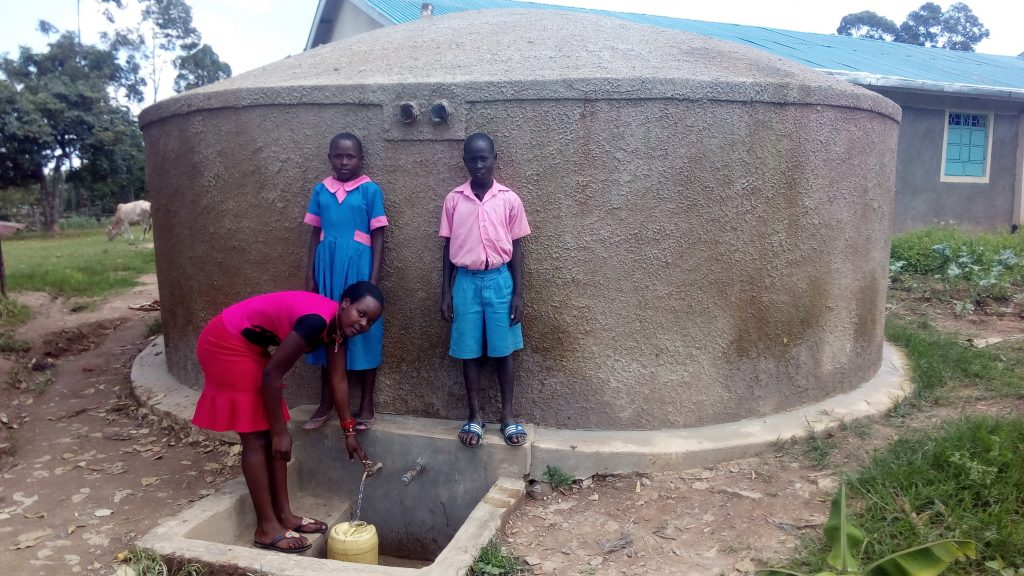 The Water Project : kenya4695-sheila-msilivi-fetches-water-with-brevisious-lugadilo-and-diana-mukhono