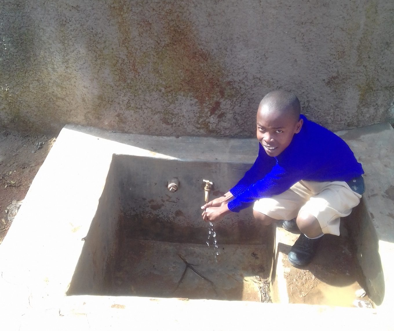 The Water Project : kenya4843-emmanuel-mbali-3