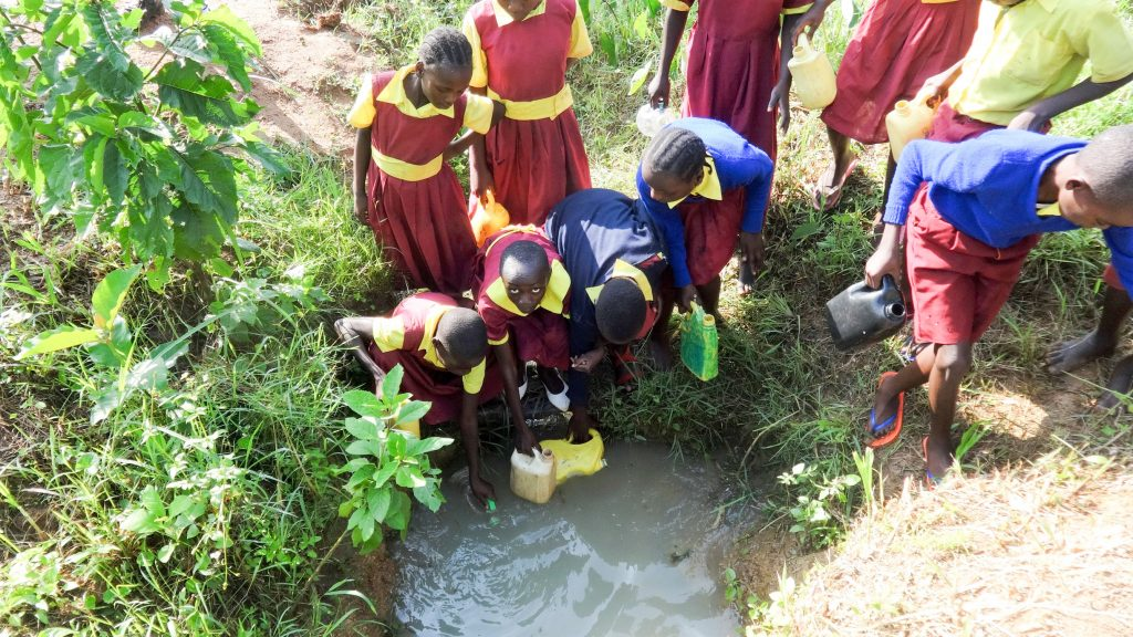 The Water Project : 10-kenya19020-fetching-water