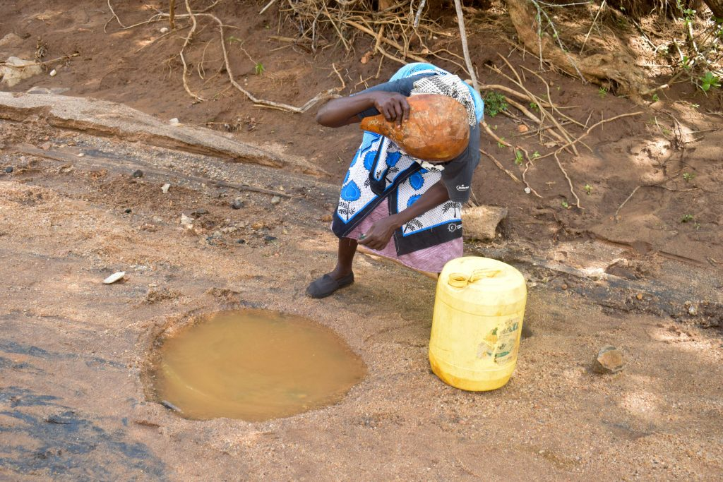 The Water Project : 2-kenya19212-current-water-source