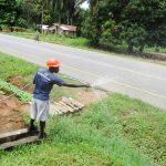 The Water Project: Komrabai Community, 35 Port Loko Road -  Yield Test