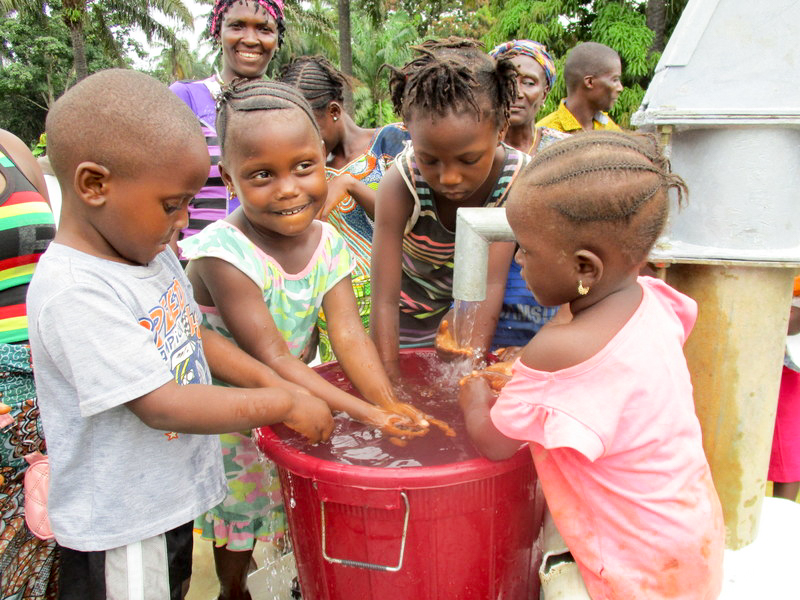 The Water Project : 30-sierraleone18271-clean-water-flowing