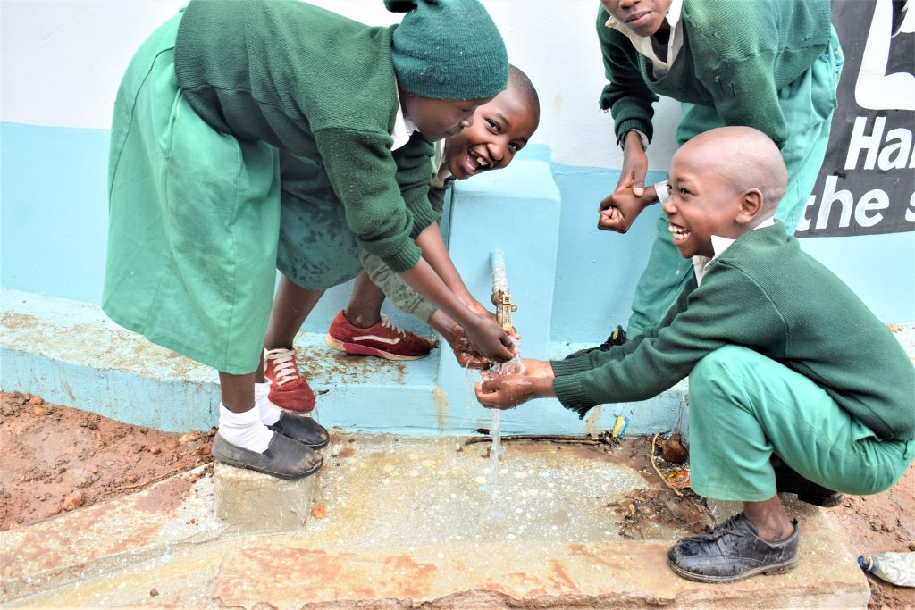 The Water Project : 44-kenya18243-clean-water-flowing