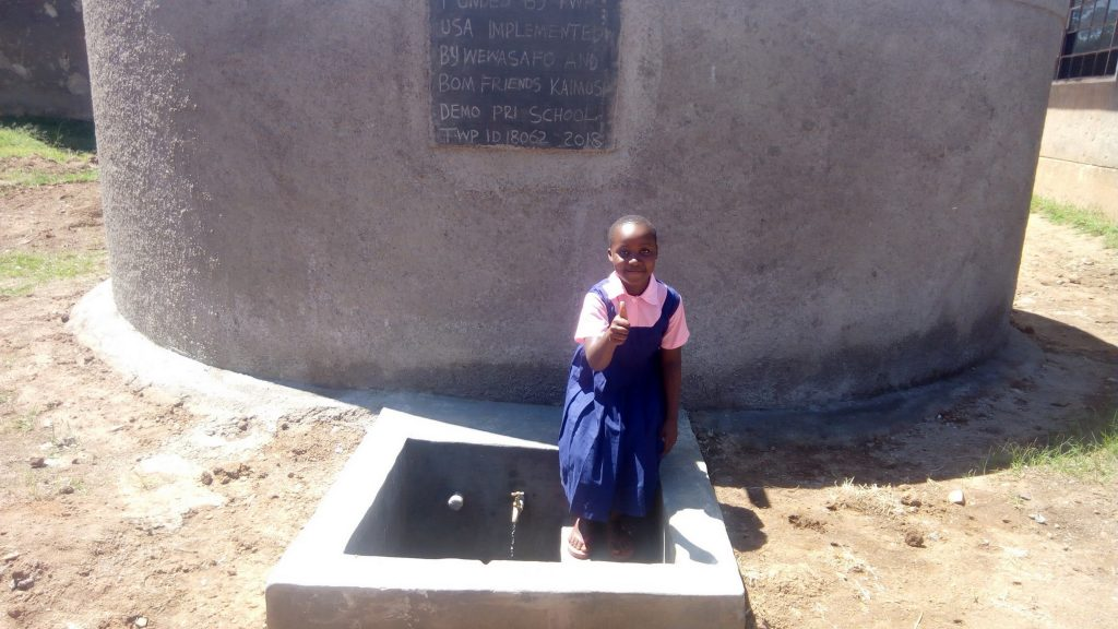 The Water Project : kenya18062-thumbs-up