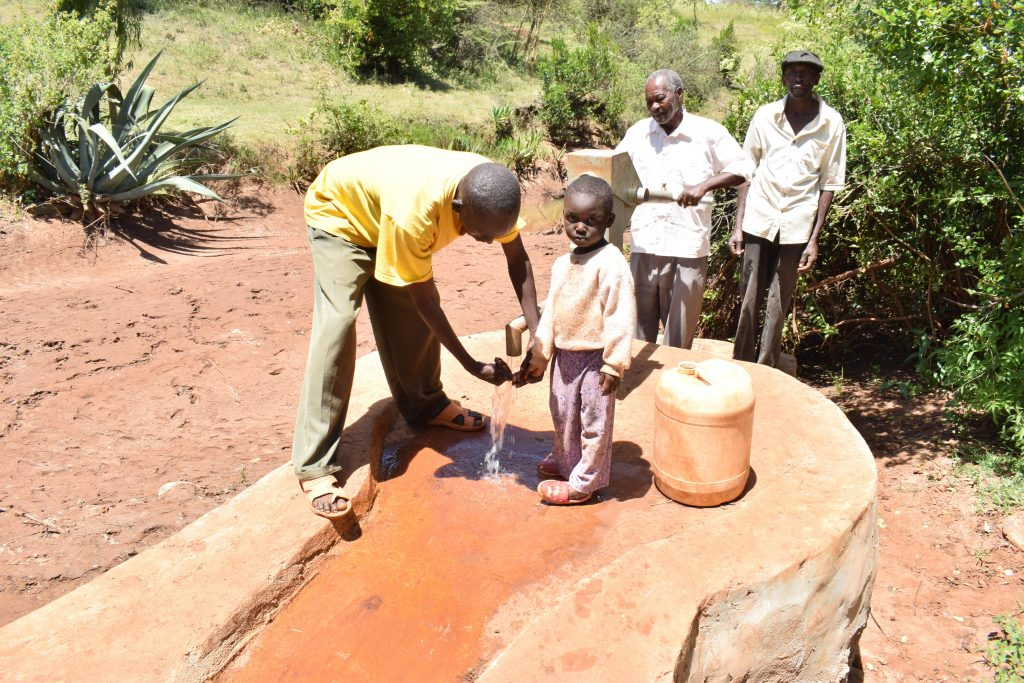 The Water Project : 1-kenya18210-water-flowing