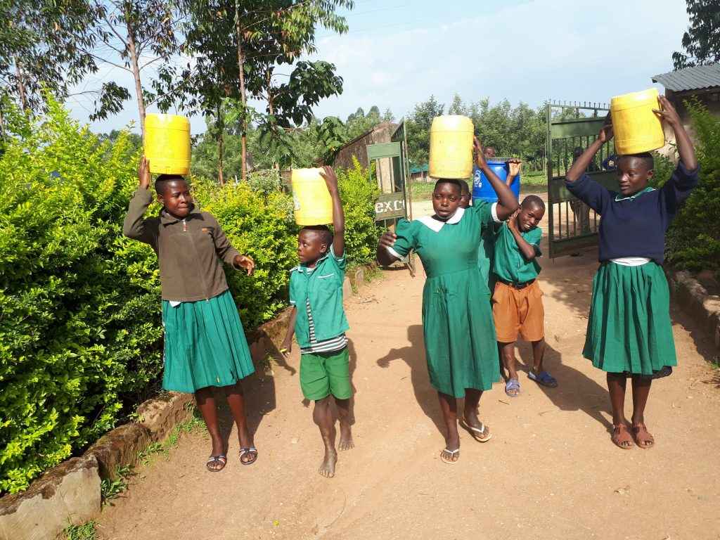 The Water Project : 12-kenya19038-carrying-water