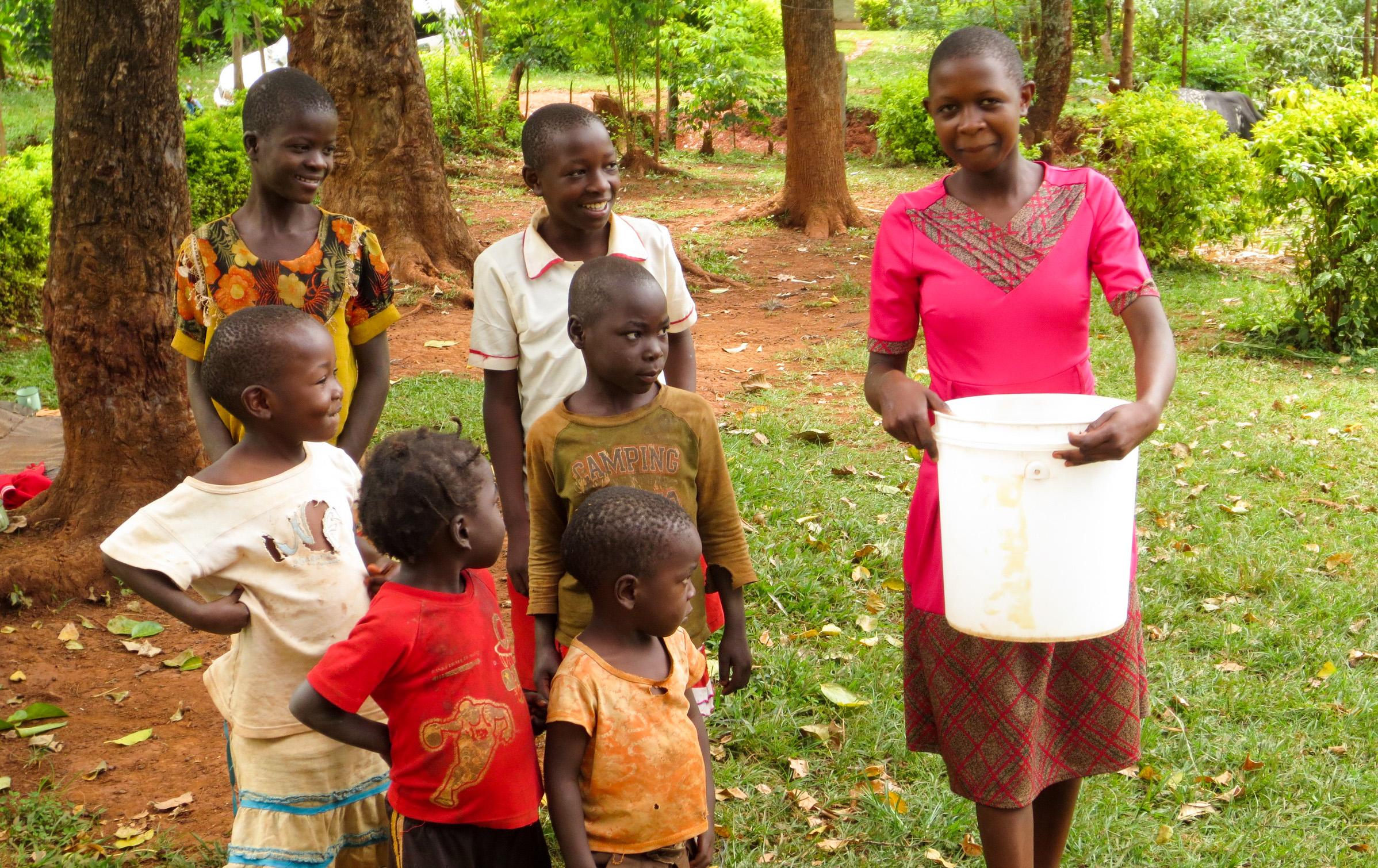 The Water Project : 2-kenya19130-community-members