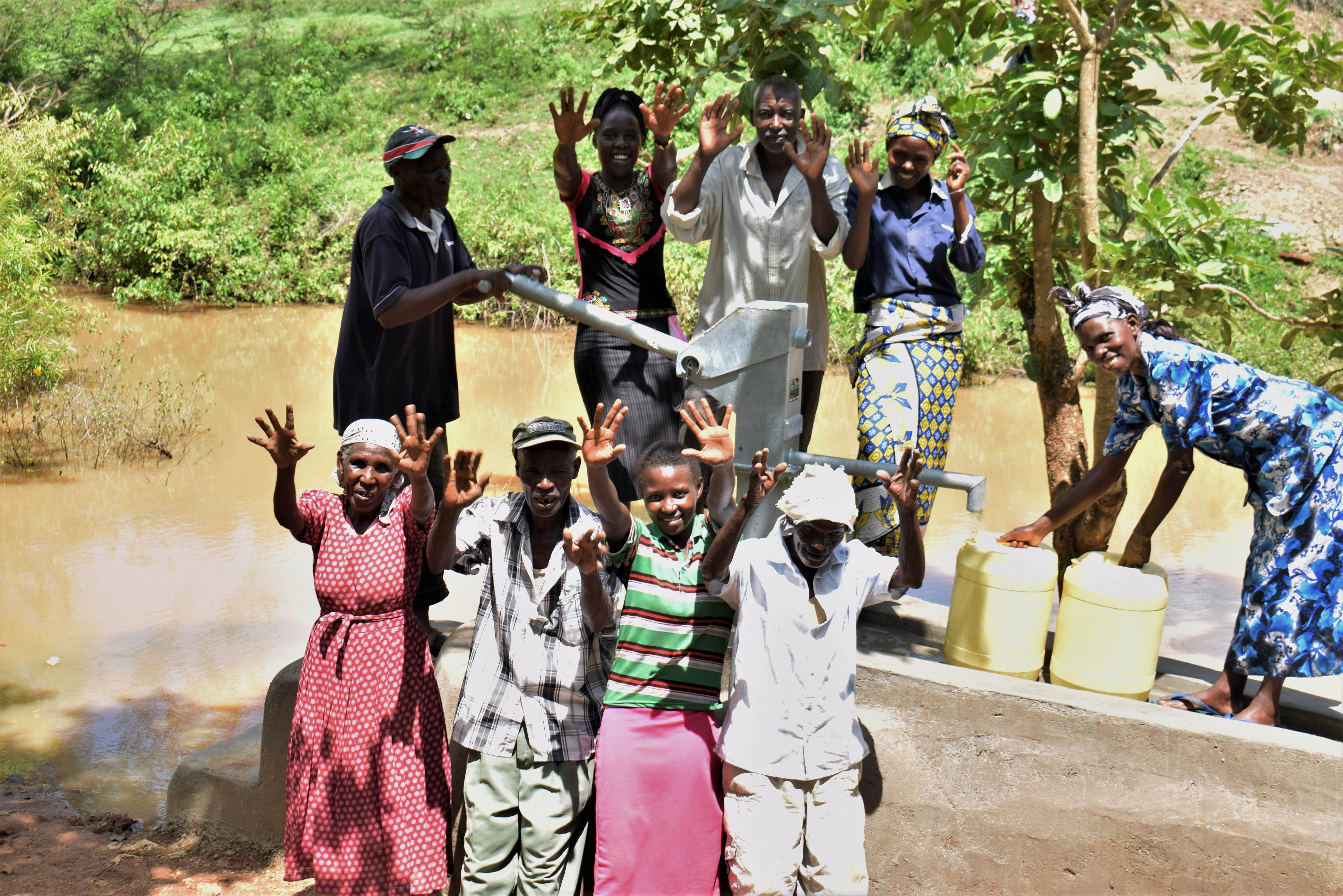 The Water Project : 20-kenya18222-flowing-water