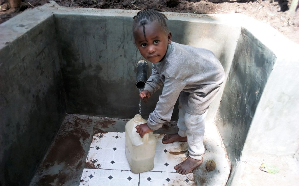 The Water Project : 24-kenya18158-flowing-water