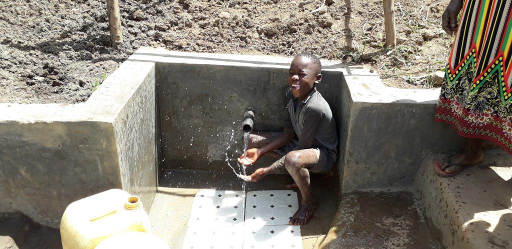 The Water Project : 28-kenya18162-flowing-water