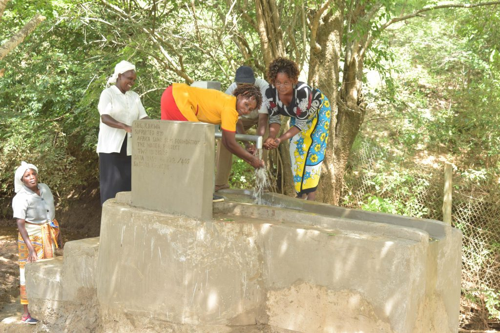 The Water Project : 9-kenya18228-flowing-water