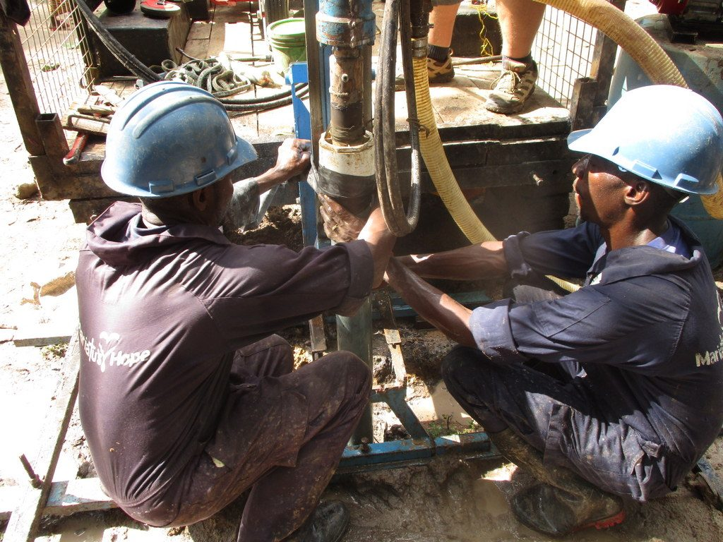 The Water Project : sierraleone18258-first-drill