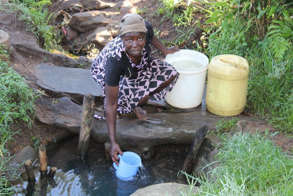 The Water Project : 10-kenya19102-fetching-water