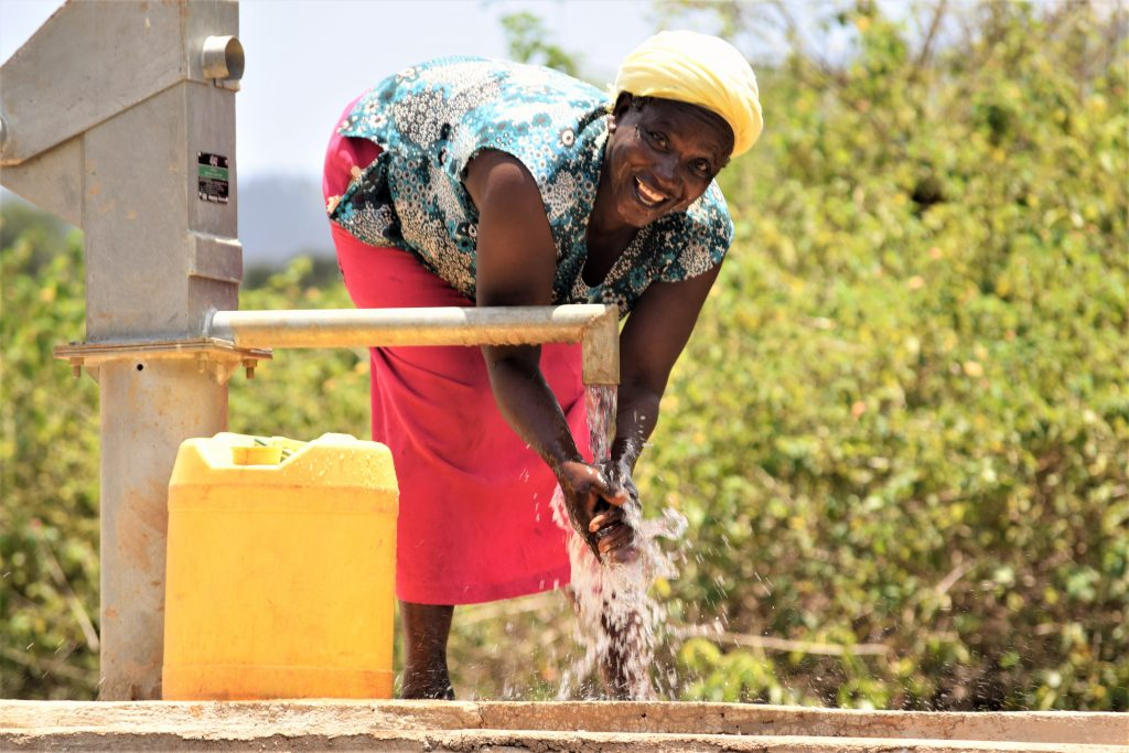The Water Project : 6-kenya18224-water-flowing